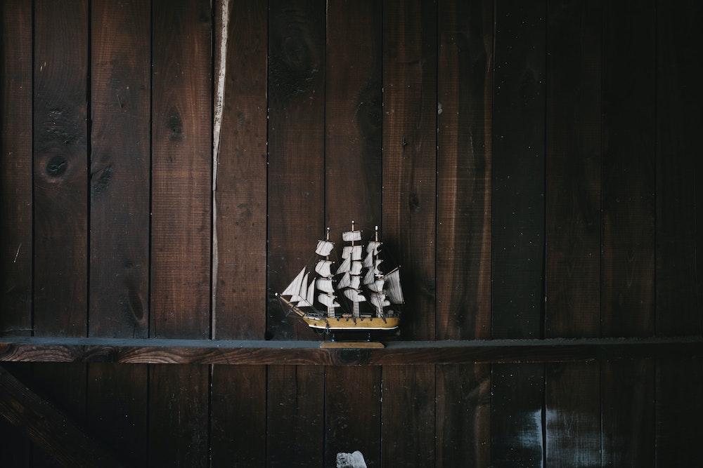 Little Sail: alpine-based images for Laravel Sail